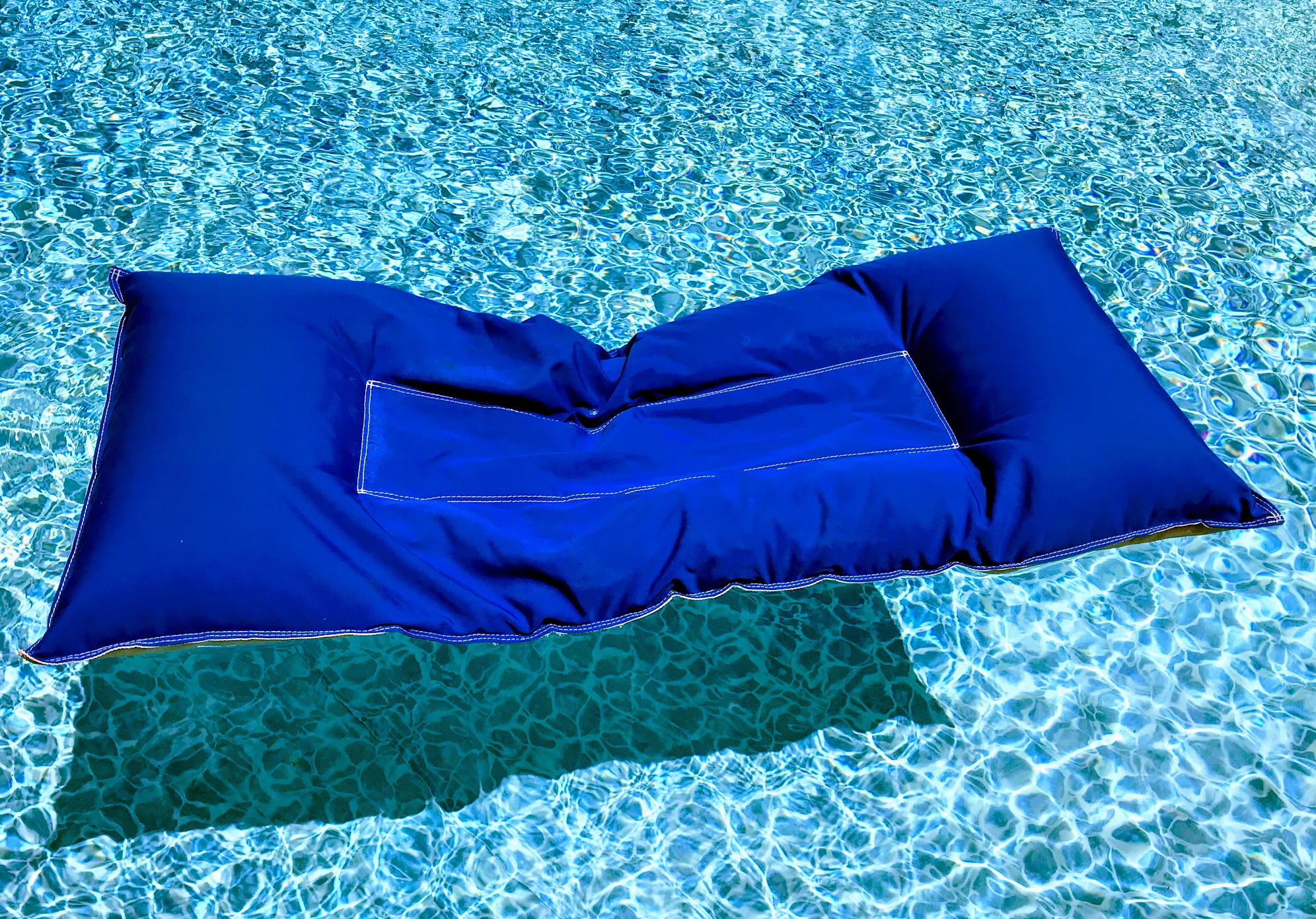 unsinkable swimming pool floats