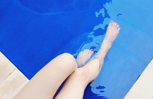 summer skin care tips for swimmers and sunbathers