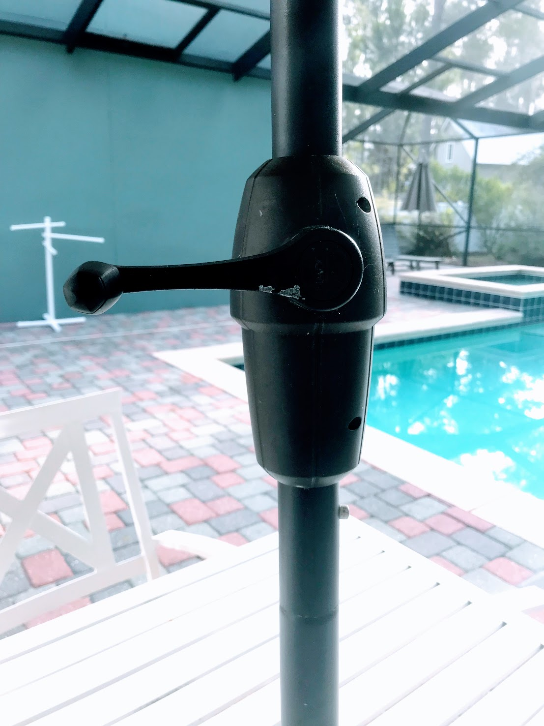 tilt umbrella with crank