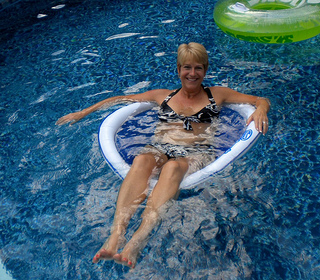 pool spring floats