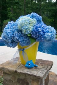 pool party decorations