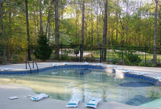salt water pool vs chlorine
