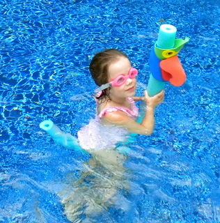 Pool games for kids swim through hoops and dive for - Swimming pool games for two players ...