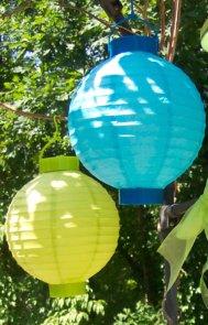 hanging paper lantersn