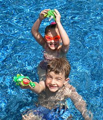 kids pool party games